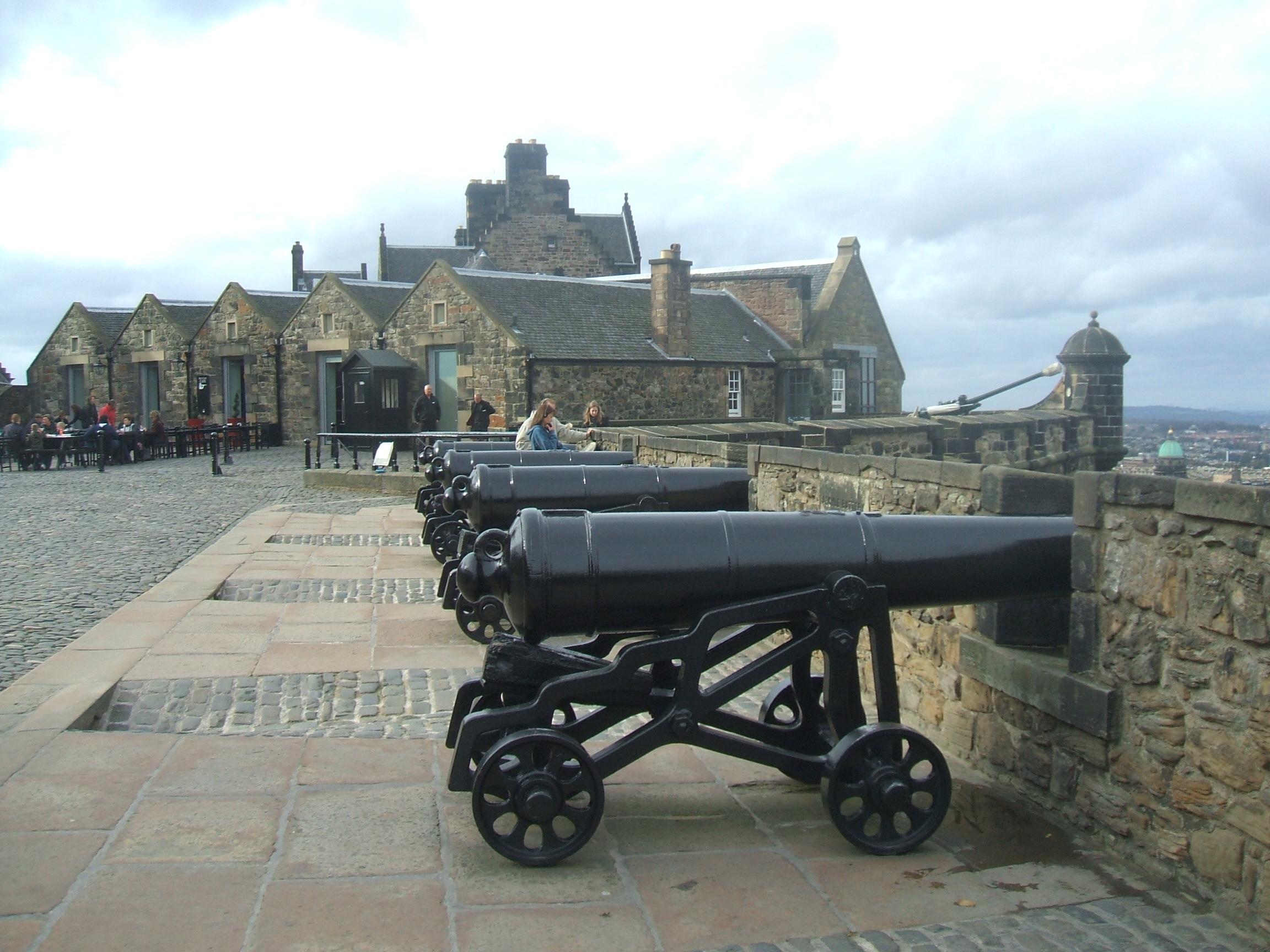 Edinburgh Castle – asixpackofstories